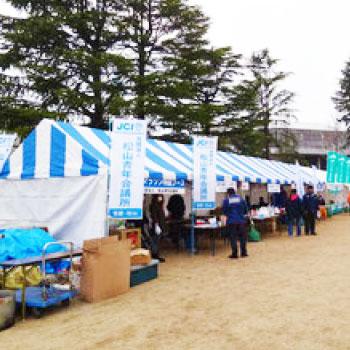 イベントのテント設営